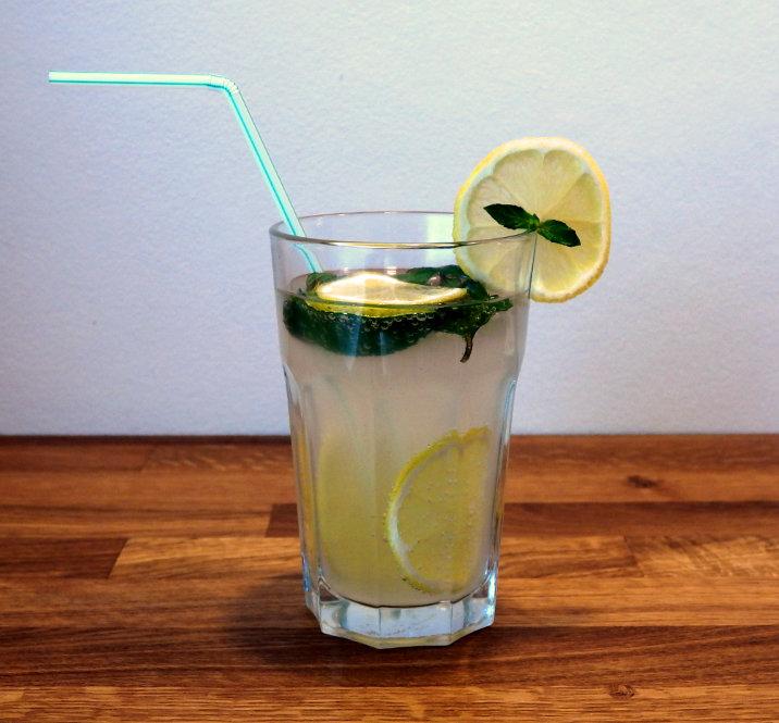 zázvorová limonáda strdí