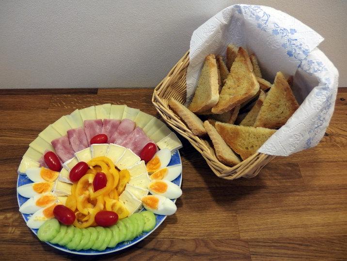 šunky obložený talíř