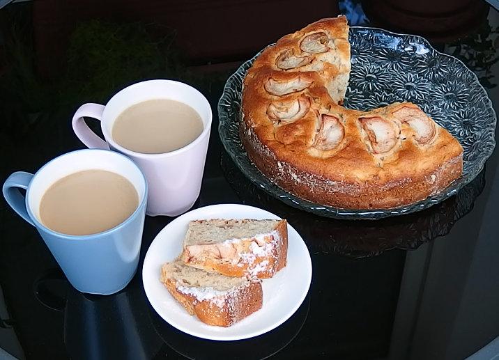 kostka cukru jablečný koláč
